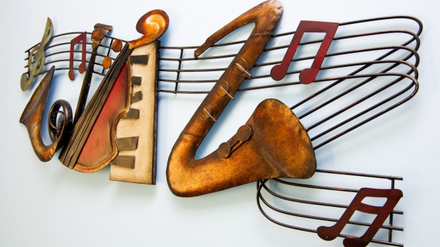 Instruments da musica instrumentala cun notas.