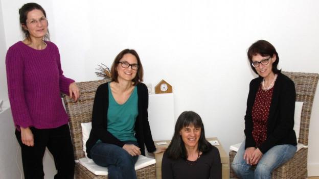 Purtrets da Sonja Varana Vinzens, Sarah Gliott-Bucher, Erna Furger e Lucrezia Berther (da san).