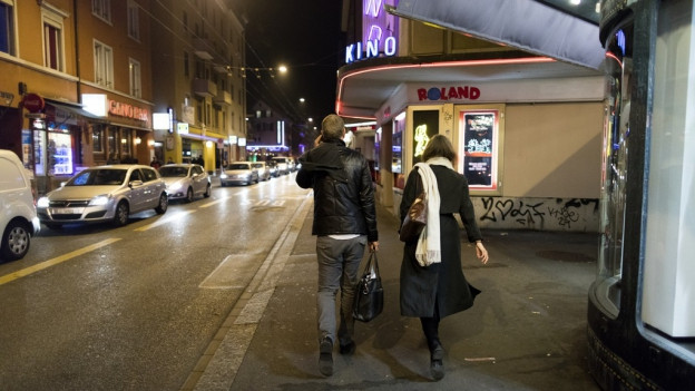 Igl è notg en la Langstrasse.