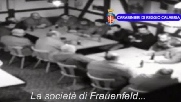 Ord ina sequenza da video da la polizia calabresa
