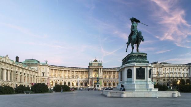 "Il biro dal president da l'Austria è en la ""Hofburg"" a Vienna"