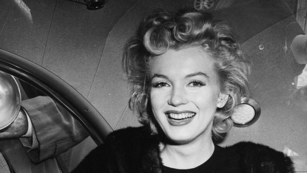 Marilyn Monroe cun ses cavels blonds