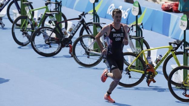 Il triatlon è mo insatge per sportists cun fitg buna cundiziun.