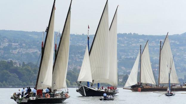 Las bartgas istoricas sin il lac Léman