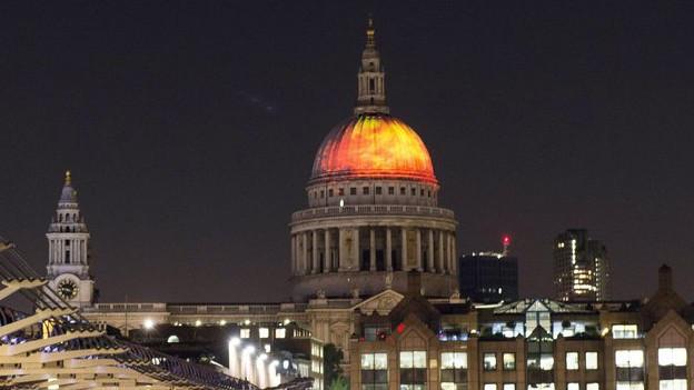 Cun l'illuminaziun da la St.Pauls Cathedral sa regorda Londra dal grond fieu dal 1666