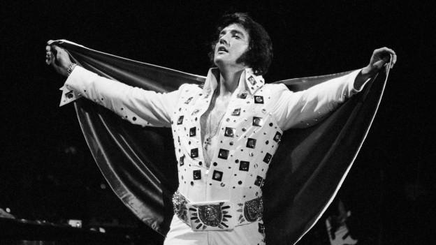 Il chantadur Elvis Presley.