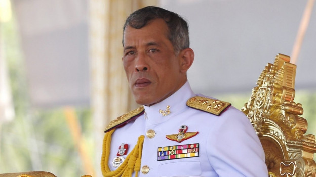 Il prinzi Maha Vajiralongkorn tar in act ufficial en Tailanda