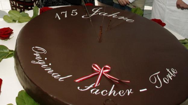 la turta da Sacher è ina invenziun da Franz Sacher