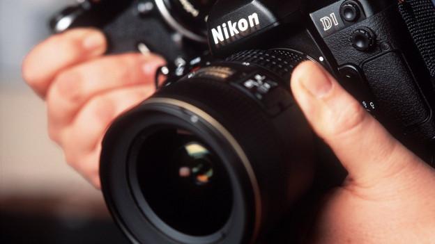 Ina camera da fotografar da Nikon.