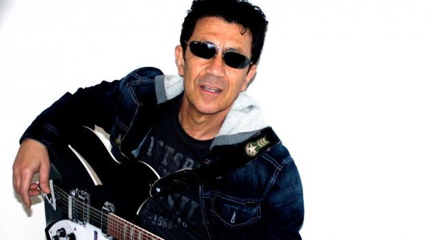 Il chantadur e ghitarrist Edoardo Bennato.