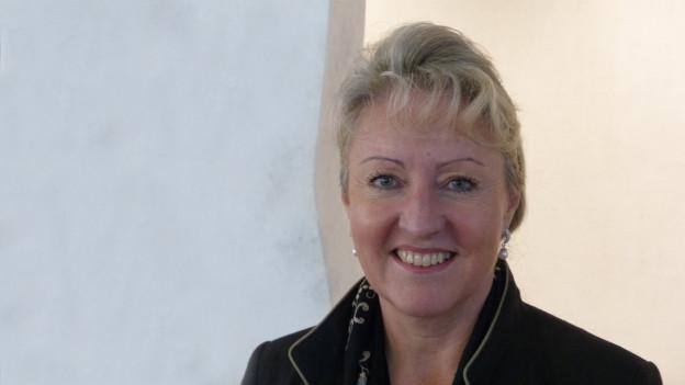 Barbara Janom-Steiner en il profil.