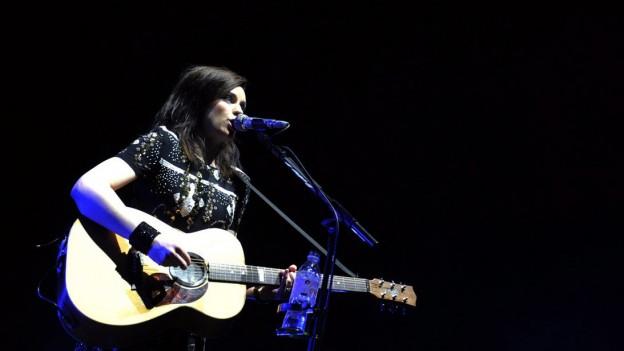 Amy MacDonald, chantautura da la Scozia.