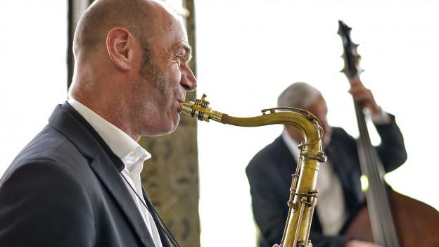 il saxofonist e clarinettist engiadinais Pius Baumgartner.