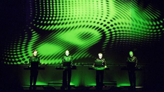 La gruppa Kraftwerk durant in concert