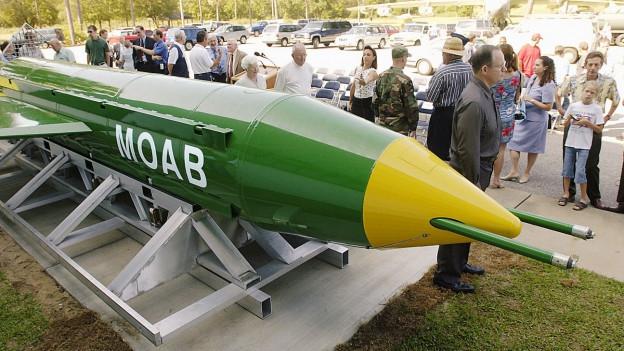 Per l'emprima giada ha l'armada americana fatg diever da la bumba dal tip GBU-43/B en l'Afghanistan.