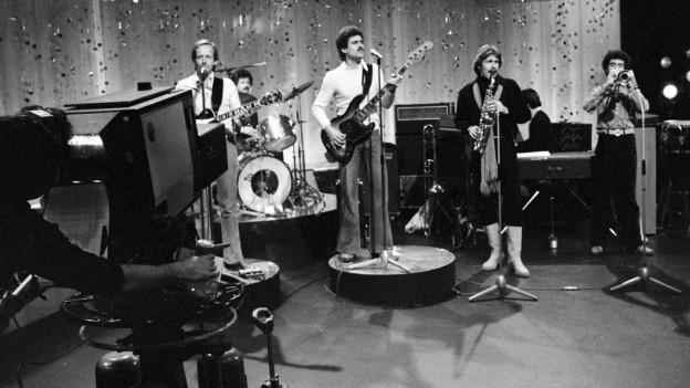 La Pepe Lienhard Band en il studio da televisiun.