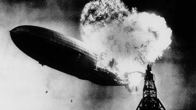 La Hindenburg ha tschiffà fieu curt avant l'atterrament.