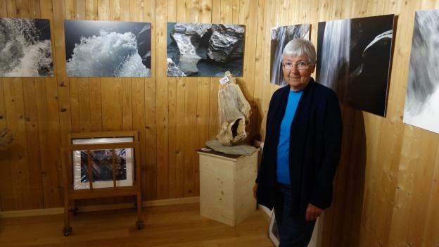 Heidi Wenig en sia galeria a Salouf.