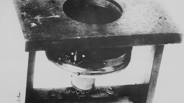In dals emprims telefons, patentà da Alexander Graham Bell.