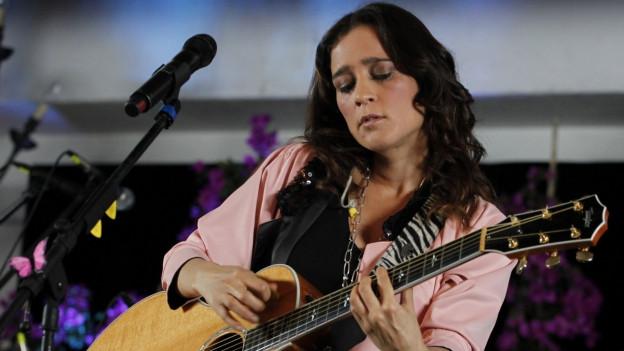 Julieta Venegas.