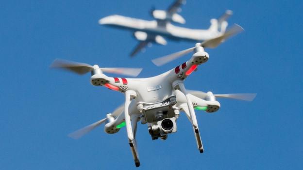 La drona - in aviun che sgola senza pilot.