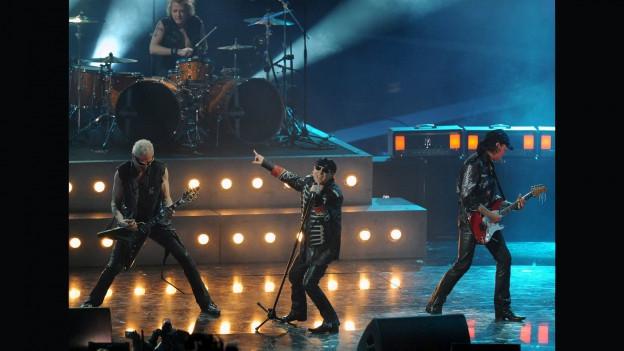 Scorpions durant in concert