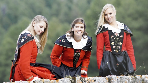 cun Martina Gemassmer, Svenja e Sabrina Ernst