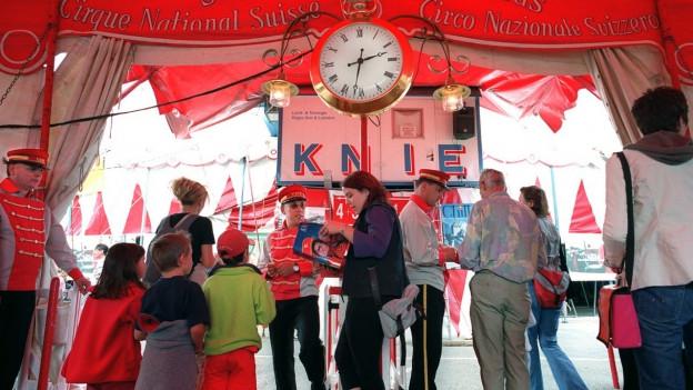 Teater, kino, circus e concerts ils Svizzers dattan ora daners per sport e cultura