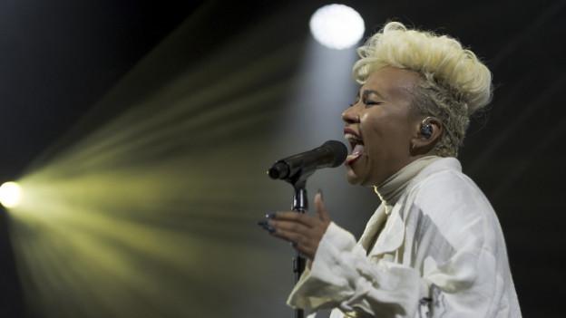 Emeli Sandé durant in concert