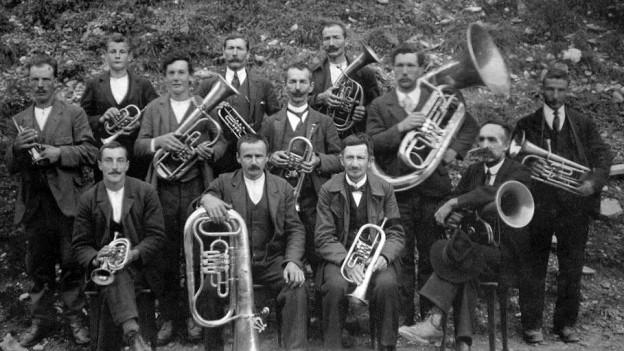 Ina reminiscenza - la societad da musica da Pitasch l'onn 1927.