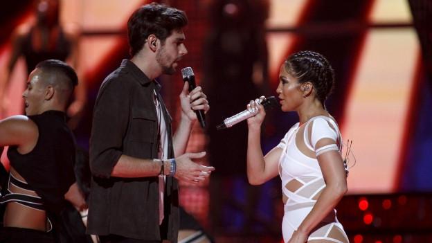 Álvaro Soler chanta cun Jennifer Lopez ses hit El mismo sol