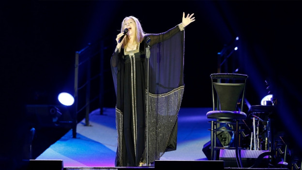 Barbra Streisand durant in concert