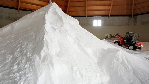 La halla da producziun a Bex en il chantun Vad vegn ina part dal sal producida.