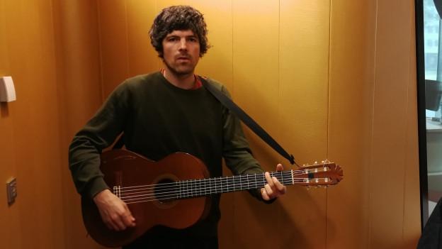 Pascal Gamboni en il studio da RTR