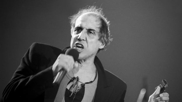 Mario Cavigelli ha gugent la musica dad Adriano Celentano.