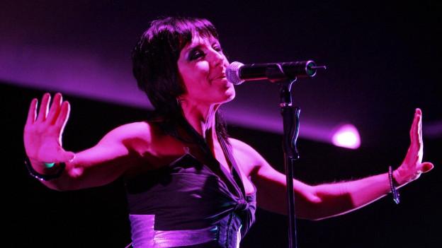 Ana Torroja da la gruppa Mecano durant in concert