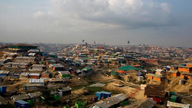 Il camp da Cox's Bazar vala sco il pli grond champ da fugitivs dal mund.