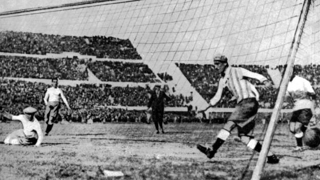 Purtret da l'emprim campiunadi mundial ad Uruguai.