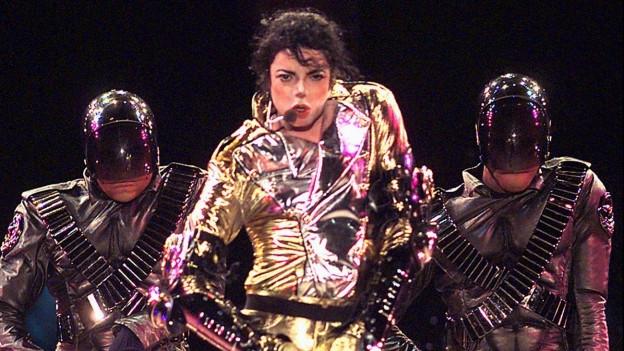 Michael Jackson durant in concert 1996