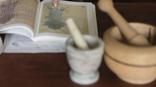 Alchemia vegn associada cun magia e misteri