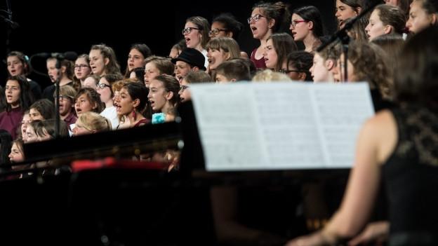 Giuvenils durant il concert final dal SKJF 2017
