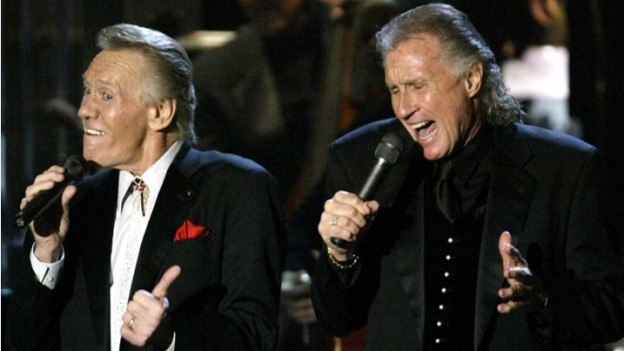 The Righteous Brothers durant in concert