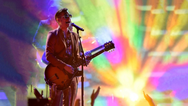 Mark Foster da la gruppa Foster the People durant in concert