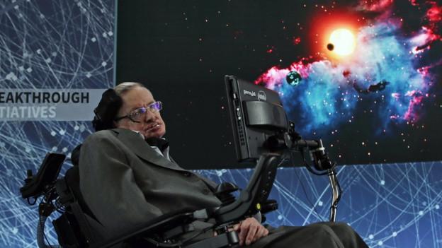 Stephan Hawking è sa deditgà als misteris da l'univers