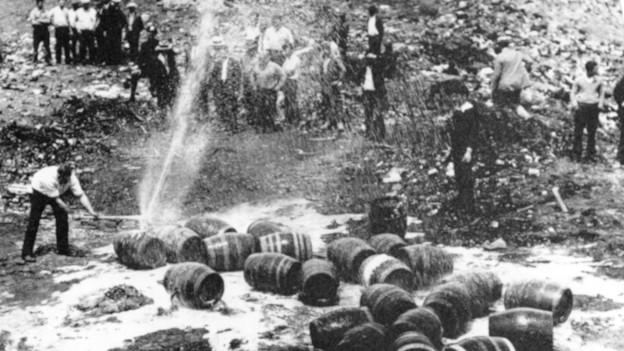 Butschins da bira vegnan destruds durant la prohibiziun