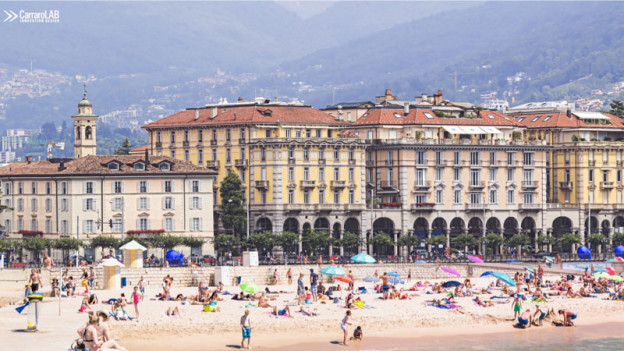 Fotomontascha cun ina spiagia a Lugano.