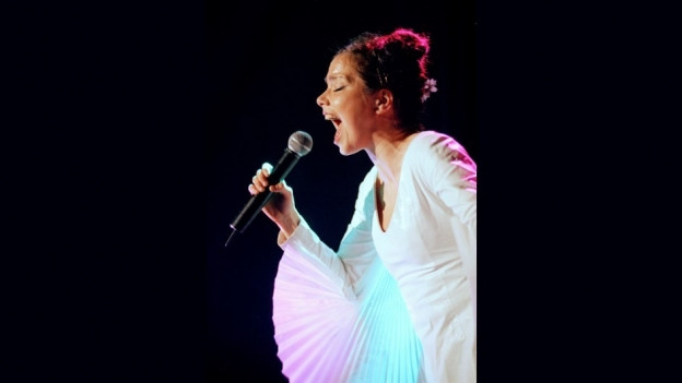 La chantadura Björk durant in concert l'onn 1998