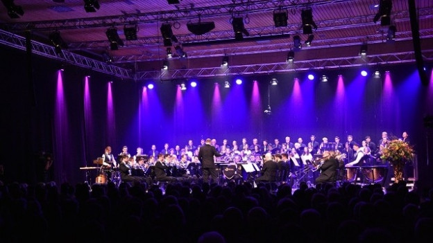 FCR-concert da gala cul dirigent Corsin Tuor