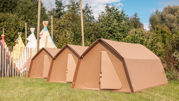 La tenda da chartun, producida d'ina firma dals Pajais Bass.