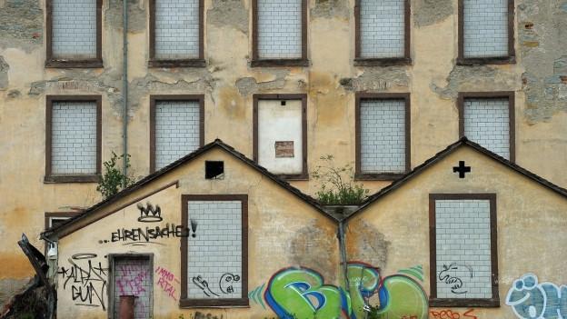 Ruinas industrialas cun lur estetica morbida attiran urbexers